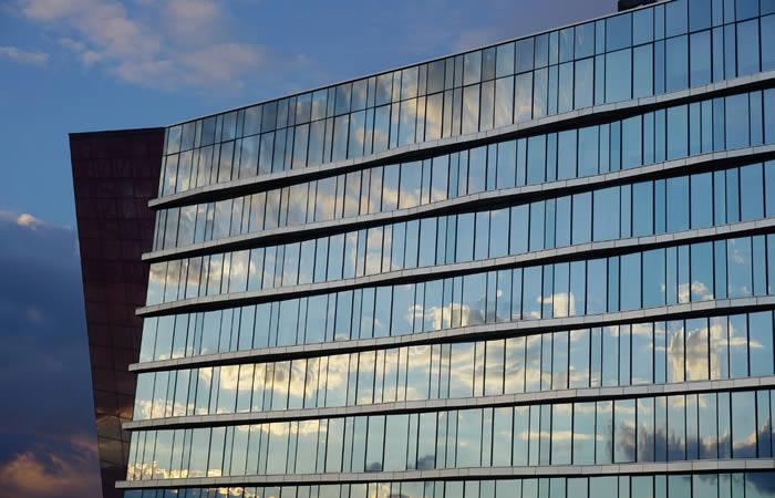 ある企業のビル外観