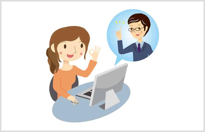 添削指導を受けて職務経歴書を作り直す女性