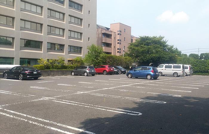ハローワーク宇都宮の駐車場