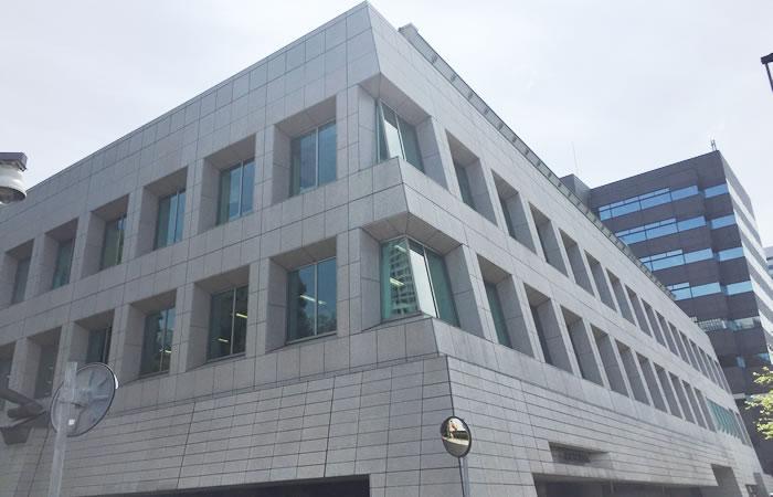 クリーデンスのオフィスビル外観画像
