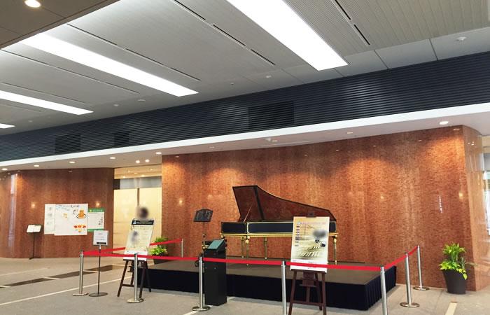 JACリクルートメントの東京本社が入るビルの1Fロビー