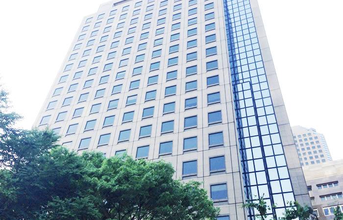 マイケル・ペイジ・ジャパンのオフィスビル外観画像