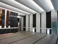 転職エージェント「ロバート・ウォルターズ・ジャパン」のオフィスビルエントランス風景(1枚目)