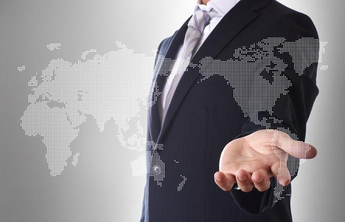 グローバルに活躍するビジネスパーソン