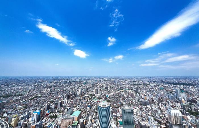 様々な仕事が集まる都会の風景